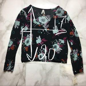Mudd Tops - Boho Long Sleeve Pullover Floral Snap Front V Neck